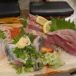 鳥取県・島根県 郷土料理かば - 刺し身五点盛り 1,280円