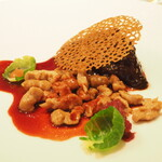 123886964 - 牛頬肉のブレゼ 栗のシュペッツレと酸味のある赤キャベツのコンディマン