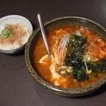四季の家 - ランチメニュー『カルビスープ麺ランチ(おかかご飯付)』 930円。