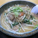 やじろべえ - 料理写真:スタミナラーメン