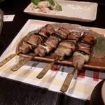 ひびき庵 - 四人テーブルに四本、もう一本食いて~‼️(笑) 彩の国黒豚焼きとん
