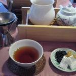 A l'aise - 季節の中国茶(700円)