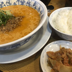 一番亭 - 料理写真:熱烈タンタン麺♪ 770円 (ランチ時 ご飯サービス)