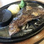 ステーキのあさくま - ランチ リブロース ステーキ ¥1,460(税別) ガーリックバター ¥120(税別)