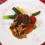 地中海食堂 タベタリーノ - 【2012-03-24】肉料理:牛フィレのステーキ