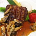 地中海食堂 タベタリーノ - 【2012-03-24】肉料理:牛フィレのステーキ(アップ)