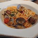 イタリア料理 ターヴォラ ドォーロ - 国産あさりとトマトのボンゴレビアンコ