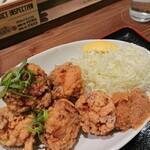 肉めし神丼  - 唐揚げ定食 特盛り(ニンニク)の唐揚げ