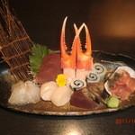 まんざら - 毎日市場にいって、新鮮なお魚を買っています。 旬の味を味わってください。(●^o^●)