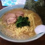 壱 - ラーメン(中)、750円