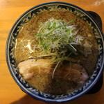 麺屋 八海山 - 煮干そば(850円、真上から)