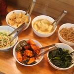 元太○ - 食べ放題のお惣菜