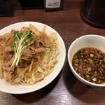 魁 肉盛りつけ麺 六代目 けいすけ - 肉盛りつけ麺