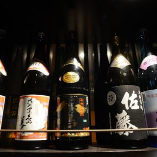 多彩な焼酎と梅酒、広島の地酒、10種のハイボールなど充実