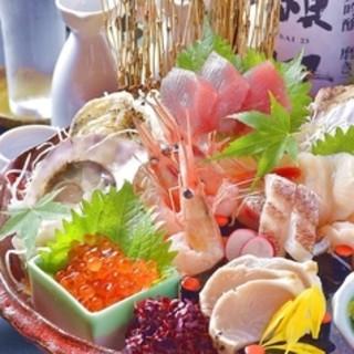 新鮮魚介が織りなすお造り盛り合わせ!