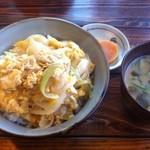 すみよし食堂 - 親子丼セット(550円)安くてボリュームあって鶏もでかい!美味しい。