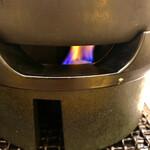 松屋 - その他写真:固形燃料付き鍋で提供されるので最後まで熱々です