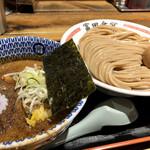 松戸中華そば 富田食堂 - 料理写真:濃厚味玉つけ麺@1000円   今やオーソドックスとなった魚介豚骨つけ麺ですが、流石に手抜かりなく美味しいです!本店と違い色々なメニュー楽しめるのもここの楽しいところ!