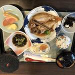 荒磯館 - 煮魚定食