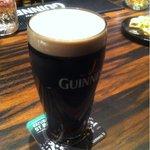 ワイズランドバーイアン - ギネスビール(1pint)