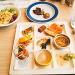 カフェ&レストラン ヴァン - サラダもたっぷり オシャレな料理が多かった