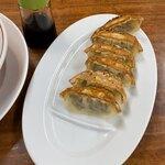 ラーメン大吉 - 3、4分後の提供の餃子