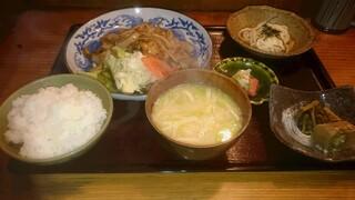 満まるまる - 肉定食(1,100円)