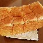 高級食パン専門店 オモチ - 料理写真: