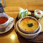 珈琲道場 侍 - ランチ(ポテトチーズ焼き(パンにバターなし)&ホットティー)¥780