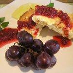 ポルチ - 杏とクランベリー入りの自家製チーズケーキ