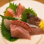 オリエンタル ソース 極 - 料理写真:お刺身盛合せ5種(お一人様用)
