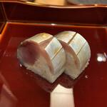 124009615 - 鯖の押し寿司 究極の鯖の押し寿司。肉厚で繊細。職人技です。
