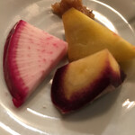 robatahyoutan - 糸島の有機野菜。赤い皮の大根、人参、薩摩芋をお味噌で。
