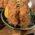 とんかつ 大倉 - 牡蠣フライ小盛りアップ