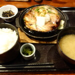 六右衛門 - マグロテールステーキ定食950円