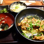 彩酉 - 焼鳥丼900円