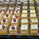 タワーレストラン - SATSUKIのスーパーショートケーキ