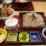 みほり峠 - 料理写真:ランチメニュー ザルそばとミニ天丼