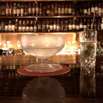 バー サード コルク - Martini。ドライ。超ロングステアのまろやかな仕上がり。ソーダに漬けてオリーブの塩分を抜いてます。