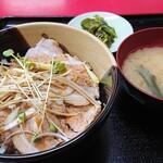 萬福飯店 - 料理写真:【チャーシュー丼】税込¥800