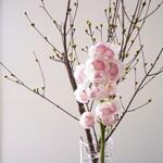 リストランテ ボルゴ・コニシ - 季節の花木が店内を彩ります