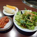 12404150 - ランチセットのサラダ・キムチ・フルーツ