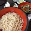 そば柳 - 料理写真:山菜そばと梅おにぎり 940円
