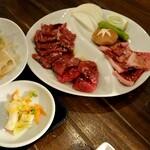 焼肉マルコウ - 料理写真:セレクトランチ・トリプル   カルビ、ロース、ハラミ