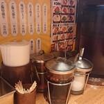 アジアンスマイル - テーブルの調味料
