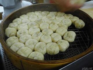 元祖豚饅頭 老祥記 - セイロで蒸される豚まん