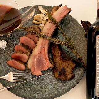 肉料理と赤ワインのマリアージュをお楽しみ下さい