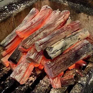 ☆炭火でお肉を焼き上げます☆特選和牛・イベリコ豚・仔猪☆