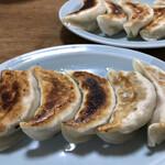 来々軒 - 料理写真:手作り餃子