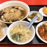 124060607 - 餡掛け炒飯 小料理付きランチ 780円